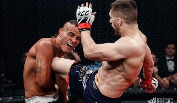 Рассечение над глазом и трещины кисти: на турнире MMA уралец побил бразильца