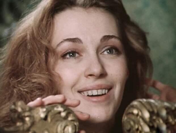 Как выглядела в детстве Анастасия Ягужинская из «Гардемаринов», и как с годами преобразилась ее красота, изображение №7