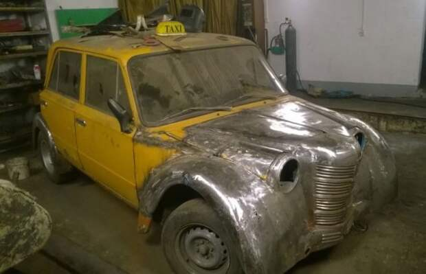 Скрестили Москвич-401 и ВАЗ-2101