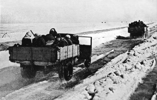 Подвиг советского шофера Максима Твердохлеба