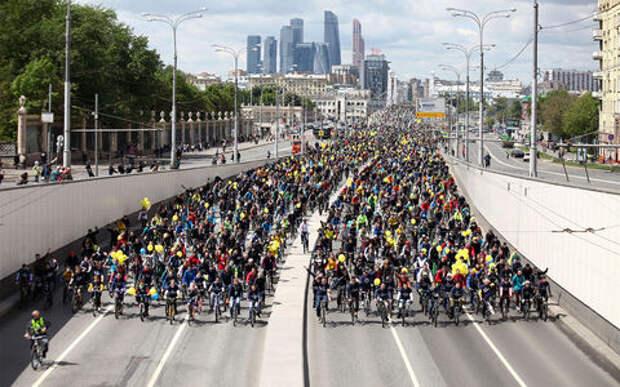 Бегать и крутить педали: Москву опять перекроют ради соревнований