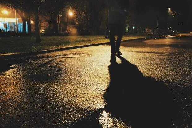Выставила на ночь глядя подругу сына из дома