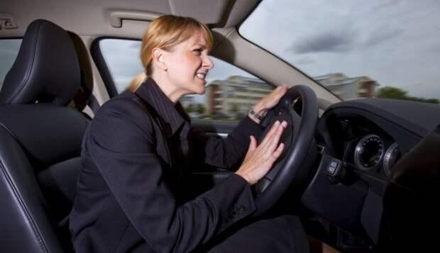 5 малоизвестных водительских хитростей, которые могут спасти вашу жизнь