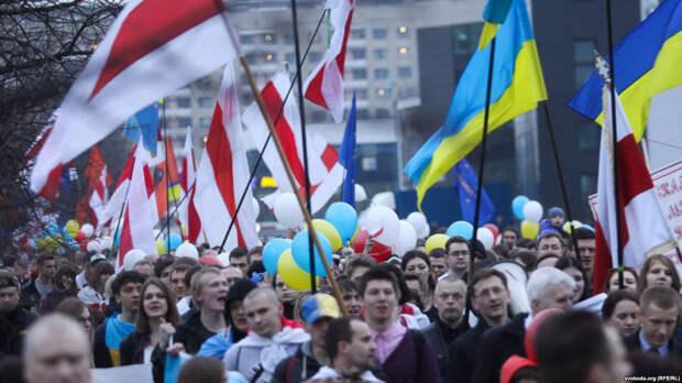 МИД Литвы обсудил с бандеровцами план новой эскалации Беломайдана