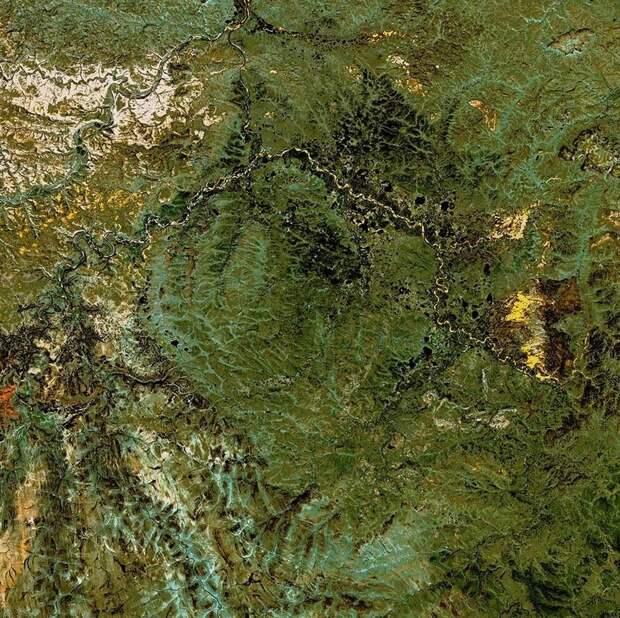 Кратер Попигай, который содержит самые крупные запасы редчайших алмазов в мире