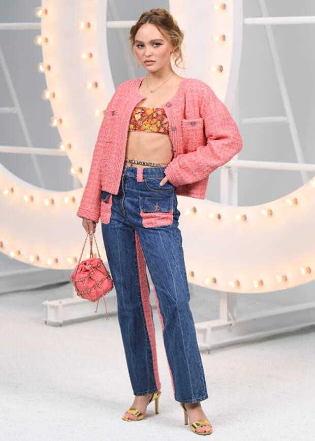 Лили-Роуз Депп, Ванесса Паради, Марион Котийяр и другие гости показа Chanel в Париже