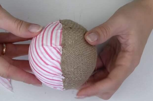 Отличные идеи, что можно сделать из мешковины и пенопластового шарика
