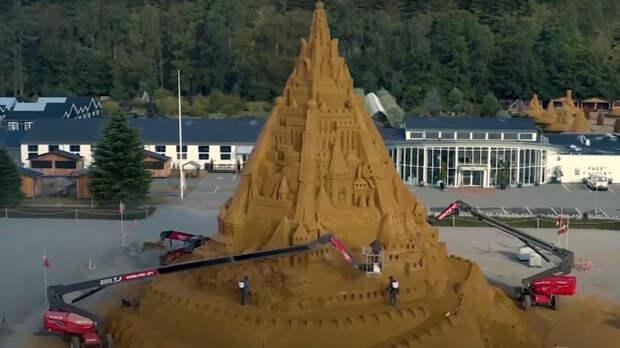 Самый высокий в мире замок из песка попал в Книгу рекордов Гиннесса
