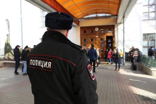 В Крыму полицейский спас диабетика, которому стало плохо на автомойке