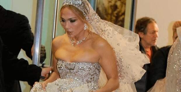 Дженнифер Лопес вышла замуж, но не за Алекса Родригеса