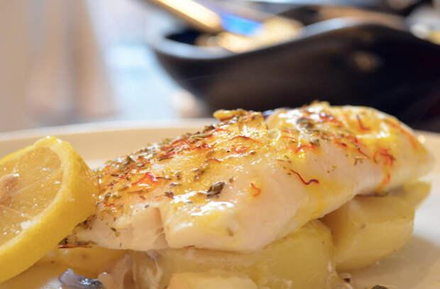 Жарим рыбу не как раньше: добавляем маринад из лимона и сливок