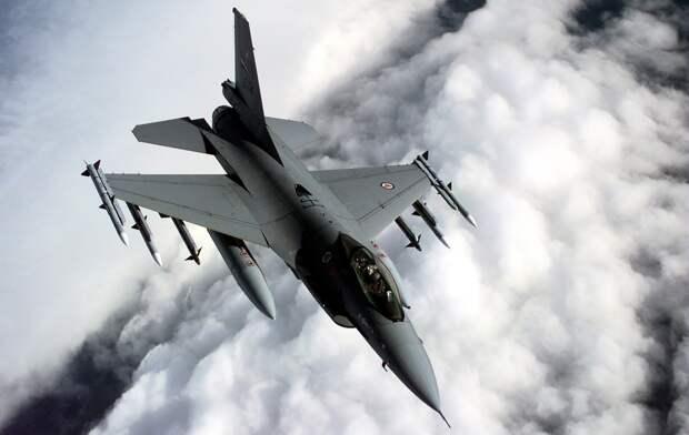 Турецкие F-16 в Азербайджане есть, подтвердил президент страны