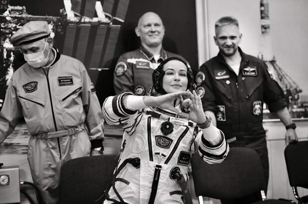 Юлия Пересильд рассказала о космических привычках, сне в невесомости и ужине с космонавтами