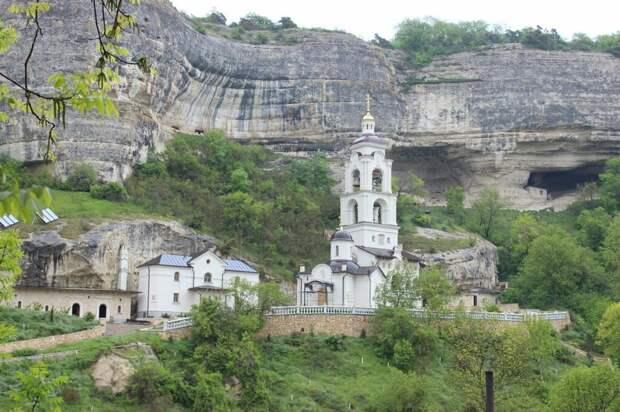 Туристов предупредили о популярной схеме обмана в Крыму