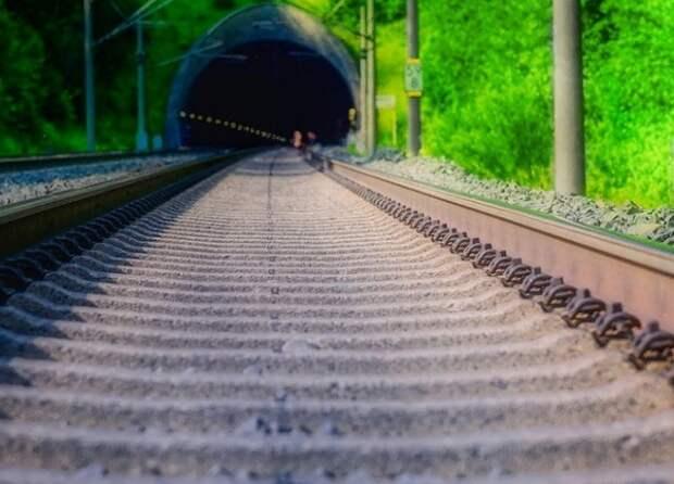 Пассажирский поезд сошел с рельсов на Тайване