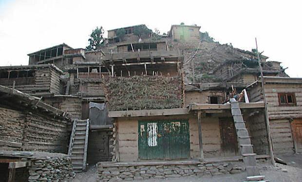 В этих домах живут Калаши.