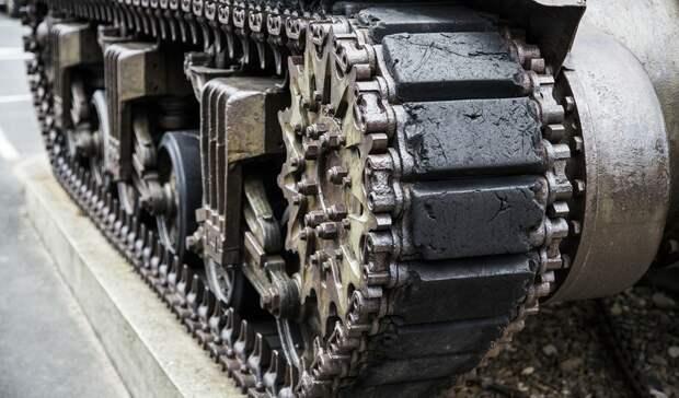 Огромные колонны военной техники заметили вРостовской области