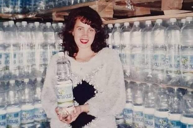 Флешмоб в 25 лет: хабаровчане разглядели на старых фото знакомую этикетку