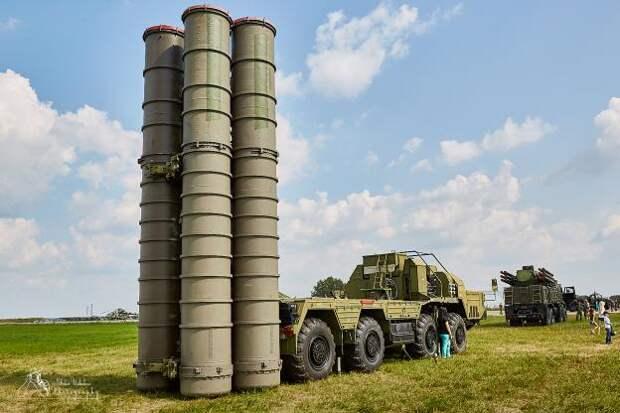 Эксперт рассказал о системе защиты у С-400, которая не позволит американцам раскрыть секреты российского оружия