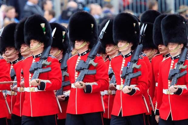 Эксперт Литовкин пояснил, почему новобранцы не идут в армию Великобритании