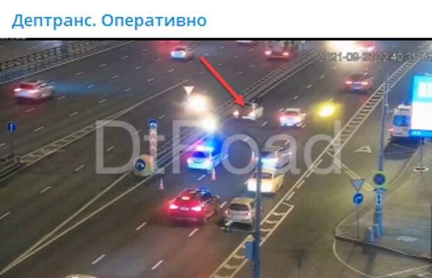 На Ленинградке пешеход попал под колеса машины