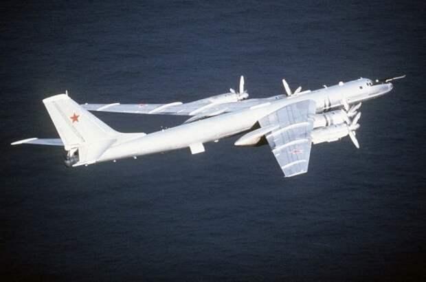 Ту-142 выполнили полёт над нейтральными водами в Арктике и Атлантике