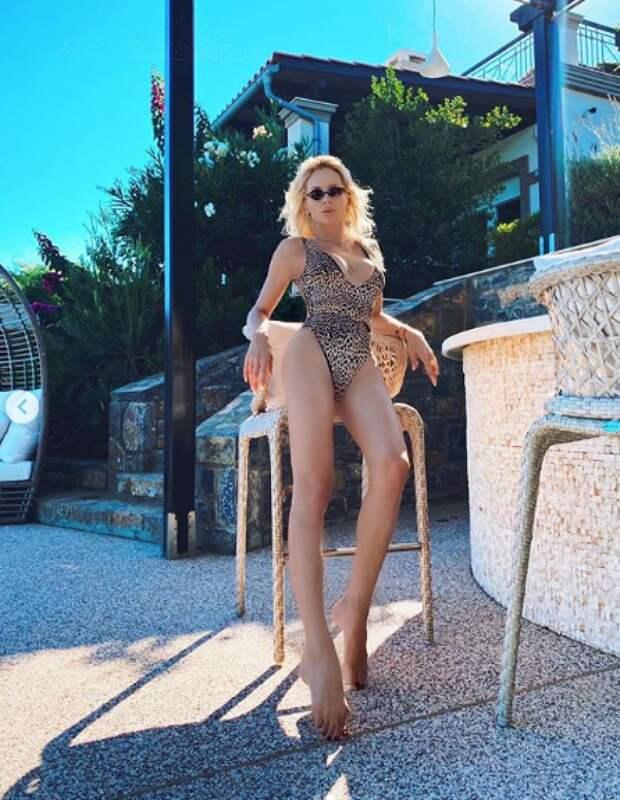 Критик Соседов назвал «украинской Мадонной» Лободу с оголенными сосками