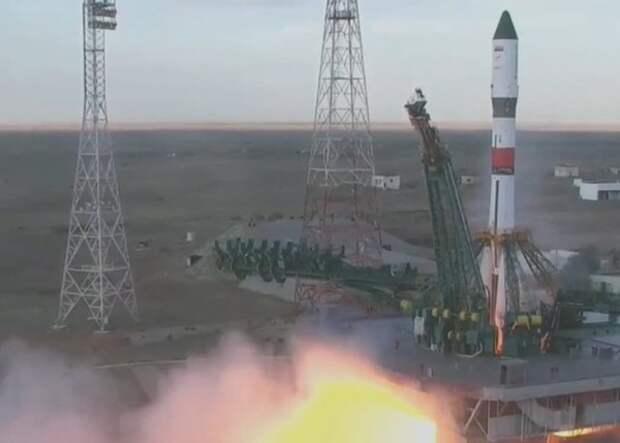 """NASA рассматривает возможность получения места для астронавта на """"Союзе"""""""