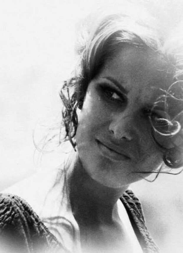 """Чарльз Бронсон и Клаудия Кардинале на съемках фильма """"Однажды на Диком Западе"""" (1968)"""