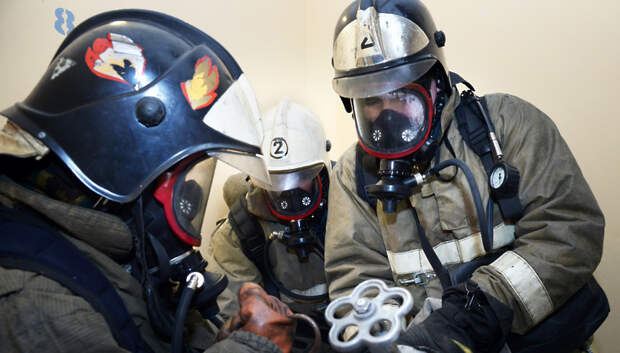 Пожарные Подольска ликвидировали возгорание в пустующем здании на Западной
