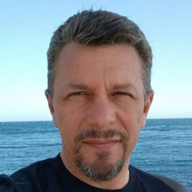 Сергей Веселовский: Американцы хотят, чтобы коленопреклоненные «навальнята» передали им ключи от Кремля