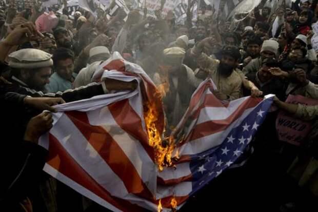 В Китае рассказали, почему весь мир ненавидит США