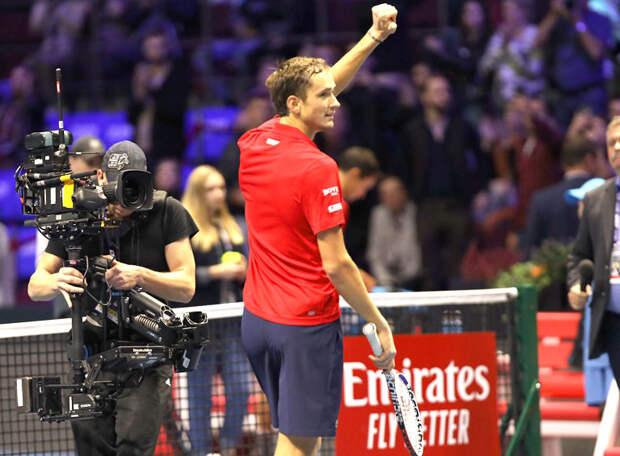 Даниил Медведев – чемпион сезона! По ходу турнира в Лондоне он обыграл тройку лидеров мирового рейтинга – такого в этом веке не было