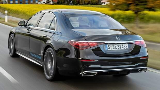 Новый Mercedes-Benz S-Class может оставить водителя без руля. Объявлен отзыв