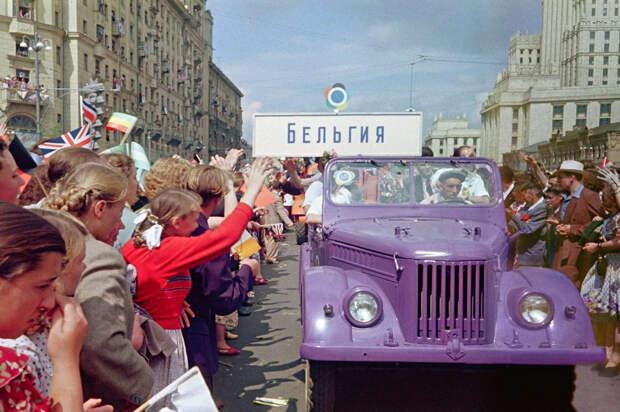 festival molodezhi studentov Moskva 1957.jpg 9