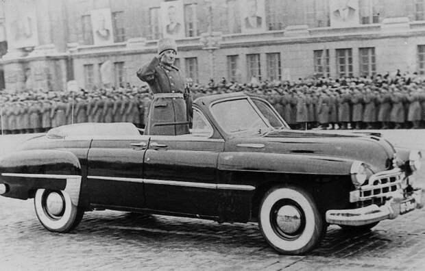 3. ЗИМ-кабриолет, на параде в тогда еще Свердловске, 1965 год. СССР, авто, автомобили, олдтаймер, ретро авто, ретро техника, ретро фото, советские автомобили