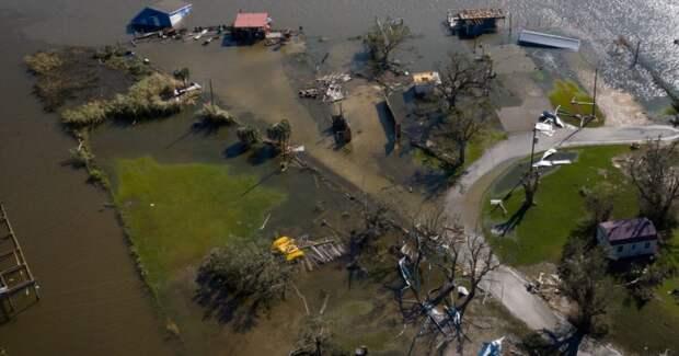 В США ураган унес жизни шести человек