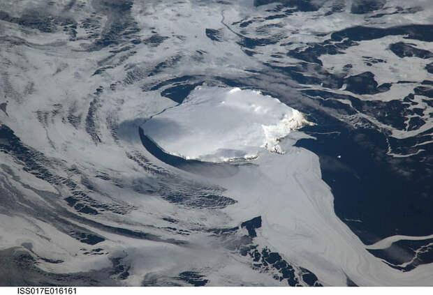 Остров Буве из космоса