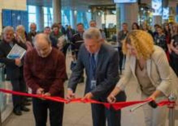 Фотовыставка авиадиспетчеров открылась в Домодедово