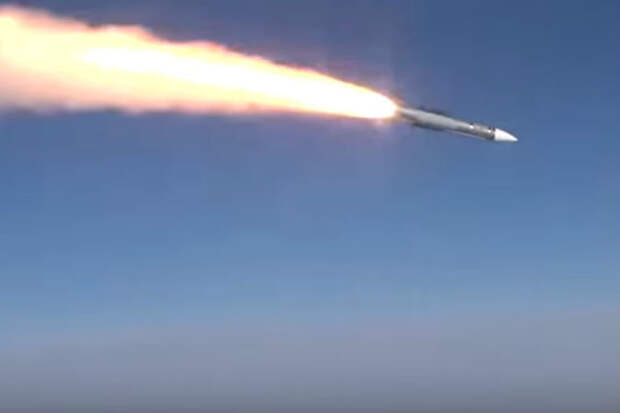 The Drive оценил новое вооружение истребителей Су-57 и Су-35С