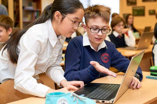 Достижения школьников предложили включать в цифровые портфолио