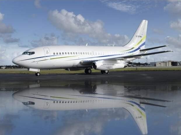 Boeing-737-200-Advanced-Exterior.jpg