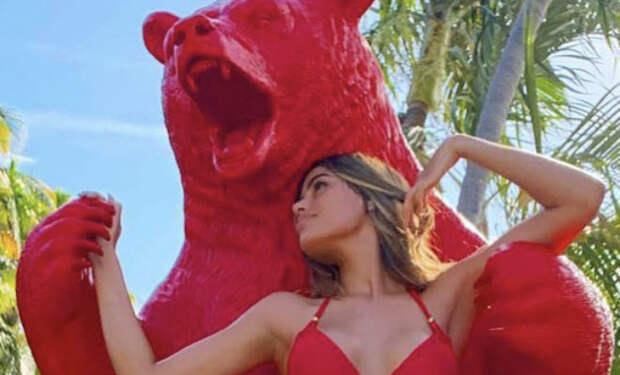 Мисс Колумбия надела купальник и вызвала недовольство зрителей своей талией