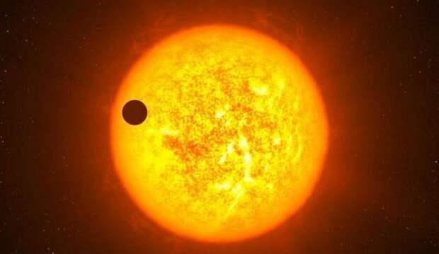 Загадочный космический объект пролетел сквозь Солнце