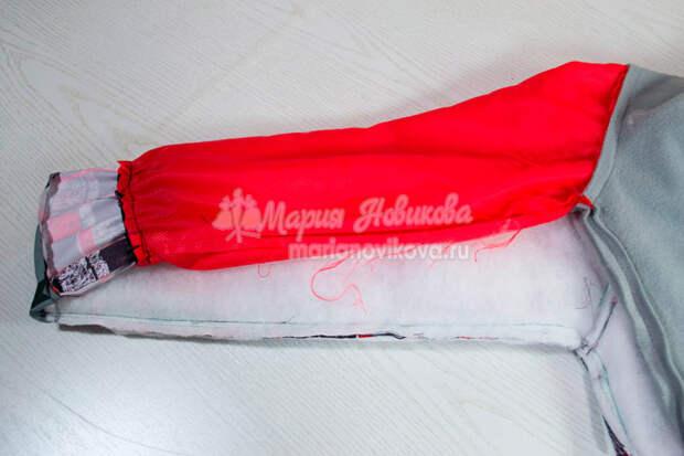 Соединить подкладку рукава с манжетой