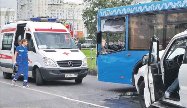 Корреспондент «СЗ» узнал, почему травмируются пассажиры