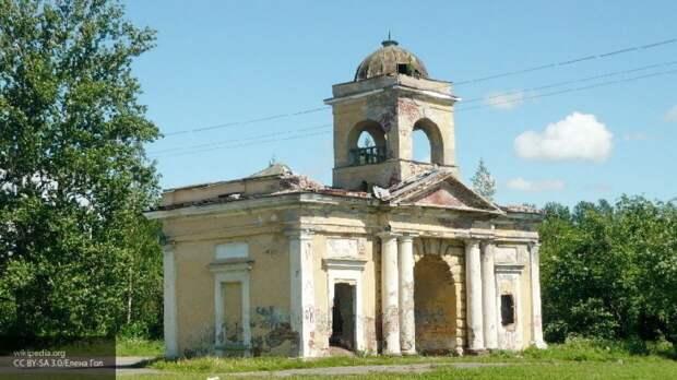 СК возбудил дело после повреждения памятника культуры в Петербурге