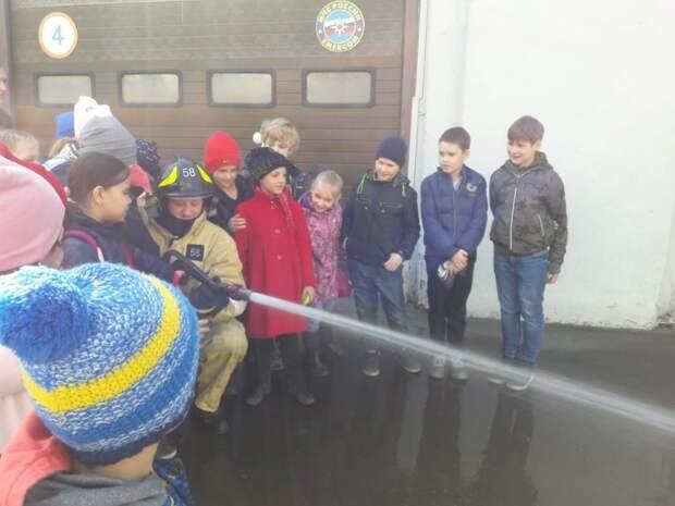Ученики школы № 1519 побывали на экскурсии в ПСЧ №58Ученики школы № 1519 побывали на экскурсии в ПСЧ №58