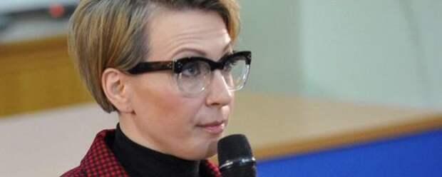 Яна Чурикова рассказала о кастинге на роль ведущей «Фабрики звезд» и анорексии
