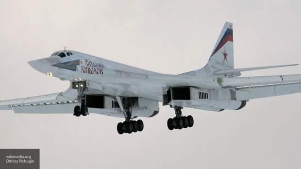 """Летчик РФ объяснил, почему в США """"хватаются за сердце"""" при подлете Ту-160"""